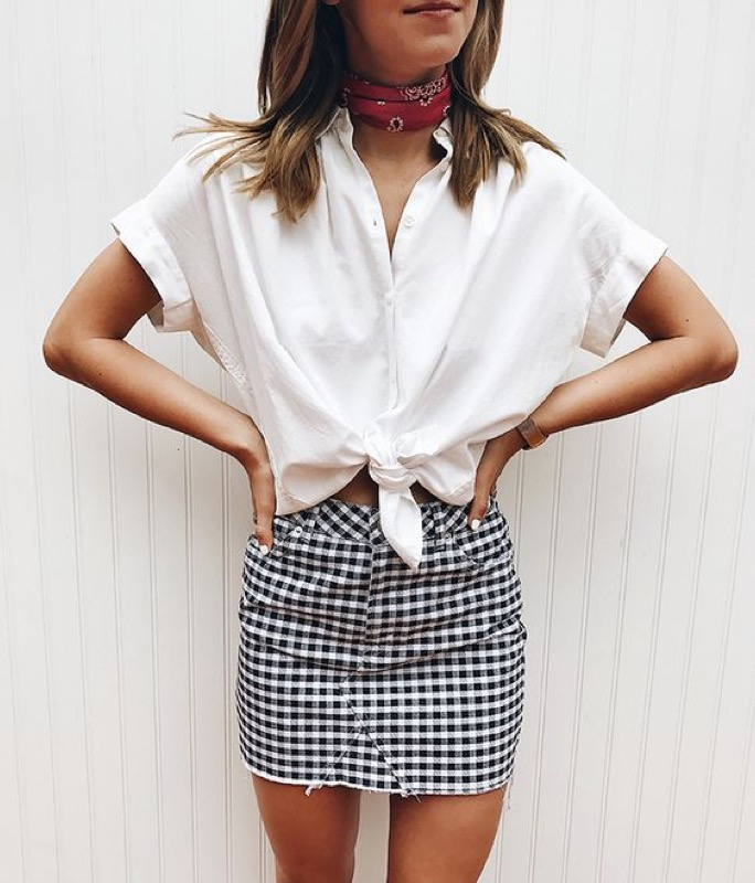 ClioMakeUp-capi-indispensabili-mettere-sempre-valigia-pantaloni-camicia-foulard-vestito-scarpe-8