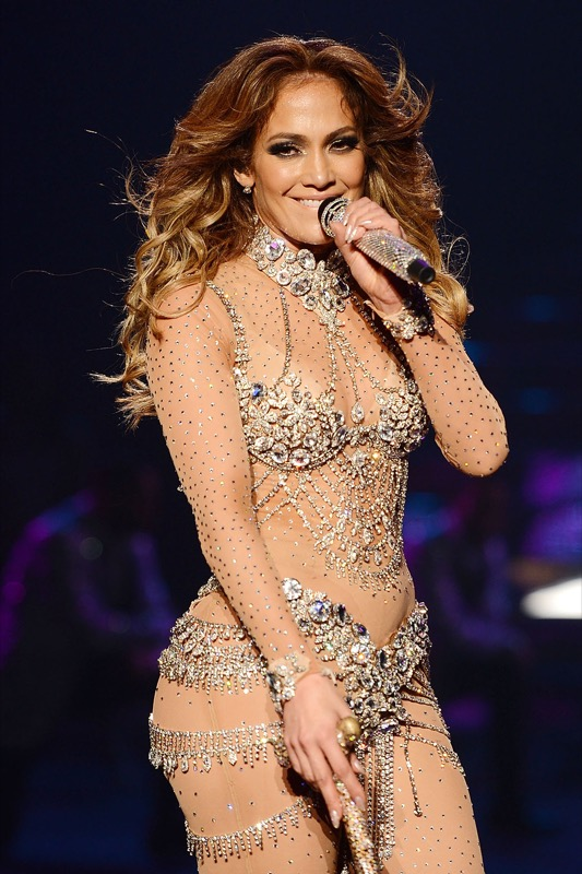 ClioMakeUp-abitudini-beauty-strane-celebrity-follie-star-creme-capelli-pelle-15