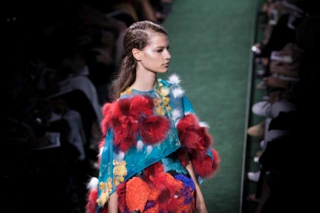 lioMakeUp-alta-moda-haute-couture-parigi-paris-2017-2018-trucco-look-trend-moda-autunno-Fendi