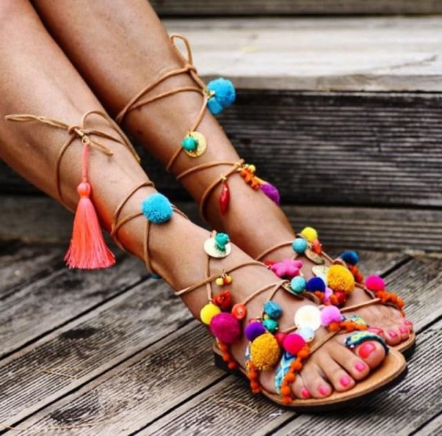 cliomakeup-scarpe-piedi-grandi-22-pon-pon