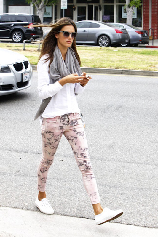 ClioMakeUp-superga-sneakers-outift-piu-belle-cool-celebrity-star-vip.006