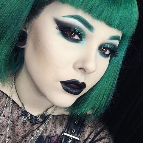 cliomakeup-abbinare-capelli-makeup-5-verde