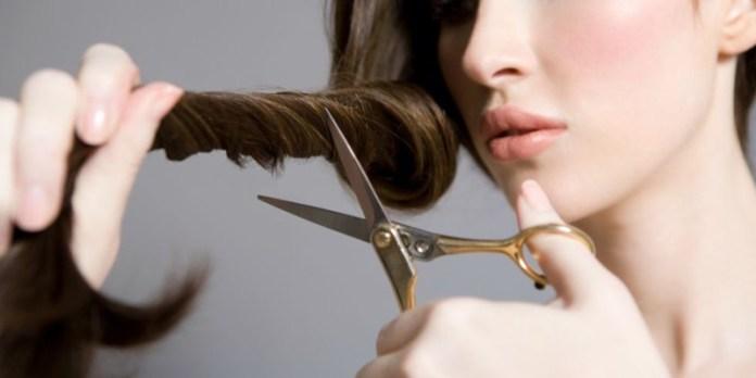 ClioMakeUp-ogni-quanto-vanno-tagliati-capelli-spuntare-parrucchiere-11
