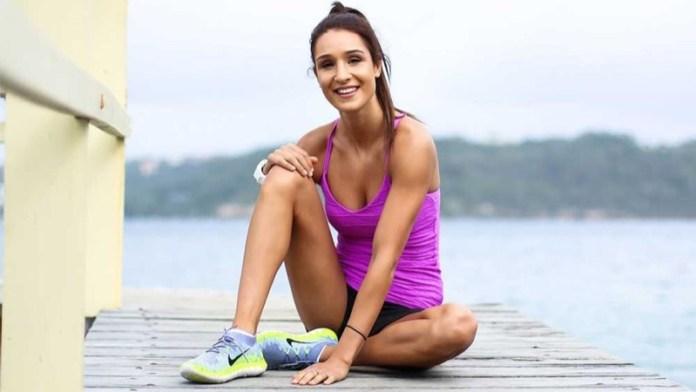 ClioMakeUp-esercizi-per-rassodare-glutei-fitness-lato-b-personal-trainer-celebrity-9