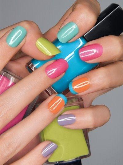 cliomakeup-manicure-multicolor-5-colori-vivaci