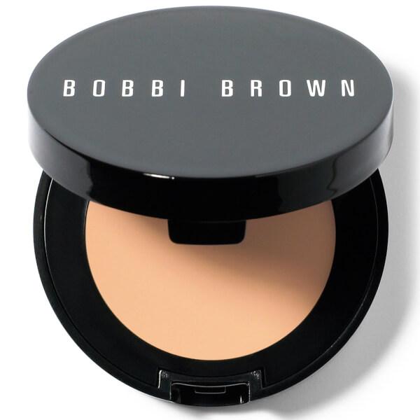 cliomakeup-migliori-prodotti-bobbi-brown-2-concealer
