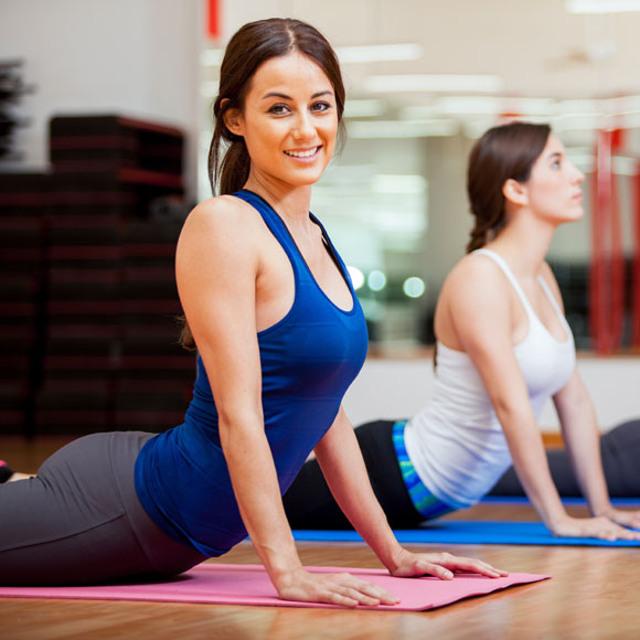 cliomakeup-yoga-per-rassodare-il-seno-19