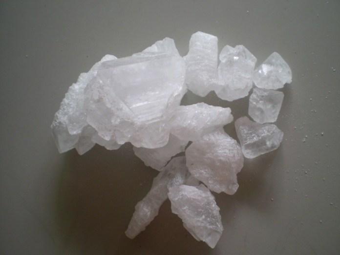 ClioMakeUp-deodoranti-naturali-sintetici-battaglia-quali-scegliere-sudore-igiene-3.jpg