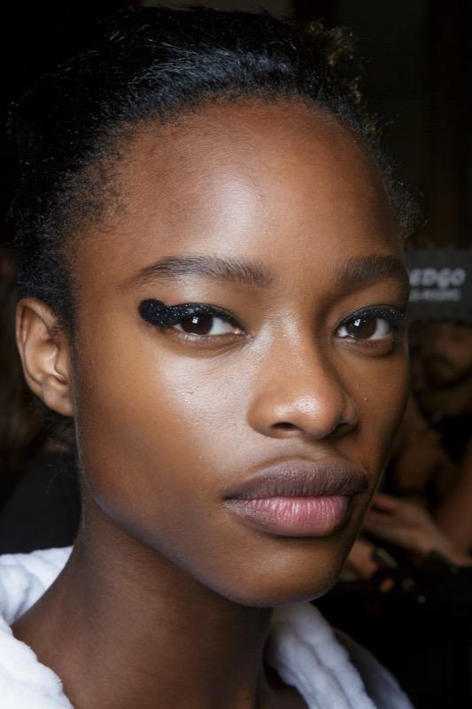 cliomakeup-tendenze-makeup-sfilate-18-tom-ford-eyeliner.jpg