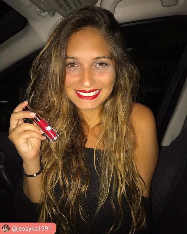 ClioMakeUp-liquidlove-fire-kiss-rossetto-rosso-freddo-liquido-no-transfer-matt-opaco-9