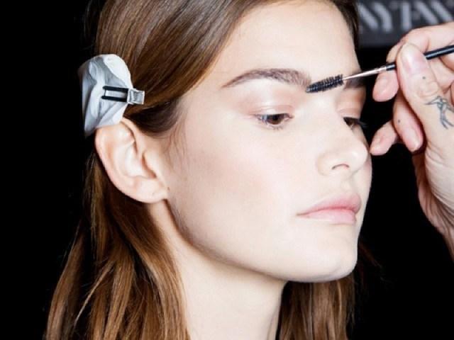 cliomakeup-migliori-makeup-tricks-3-sopracciglia