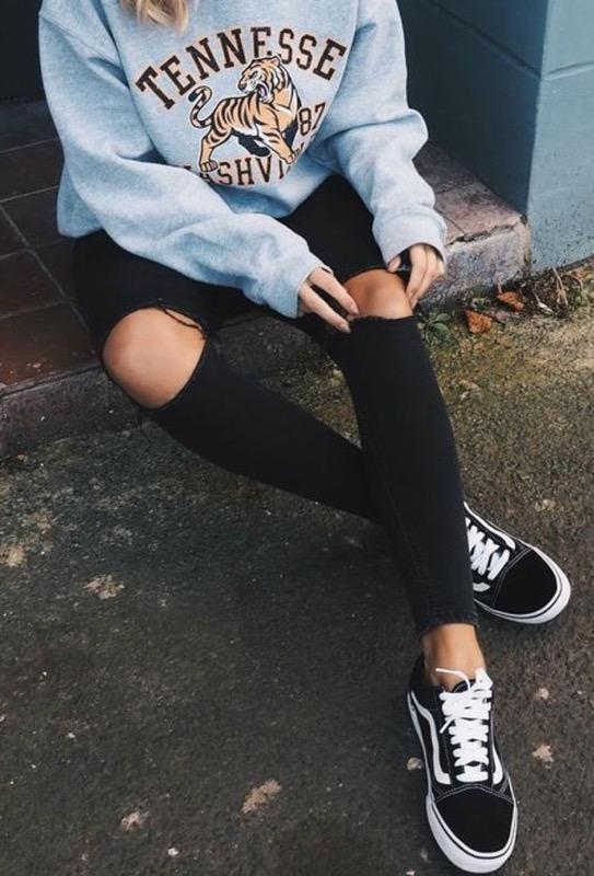 ClioMakeUp-outfit-vans-scarpe-cult-sneaker-abbigliamento--12