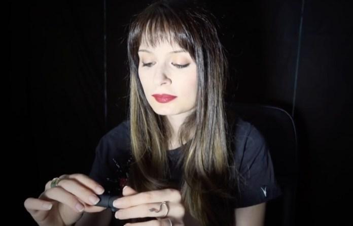 ClioMakeUp-video-asmr-fan-novita-relax-sonno-dormire-rilassarsi-7