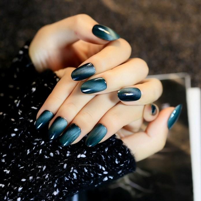 cliomakeup-unghie-cat-eye-manicure-smalto-magnetico-4
