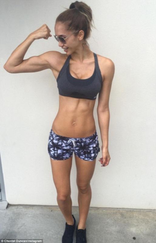 cliomakeup-fitness-guru-incinta-7-modella