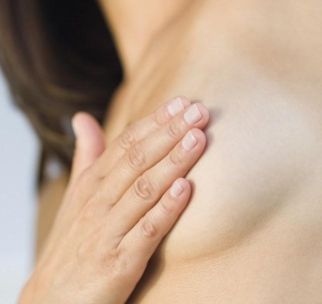 3cliomakeup-senza-reggiseno-trend-dolore-seno-3