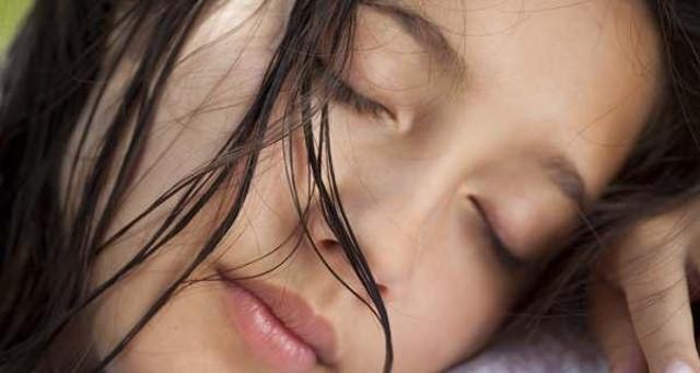 cliomakeup-capelli-piu-belli-dormendo-12