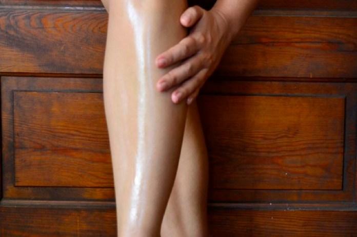 cliomakeup-gambe-sinuose-make-up-moda-2-olio