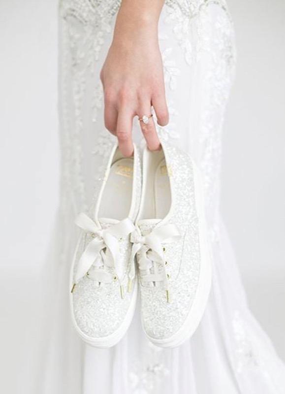 301d5fd78b2b Sposa in scarpe basse e comode  I modelli fashion a cui dire