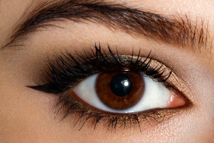 cliomakeup-trucco-semplice-occhi-marroni-castani (1)