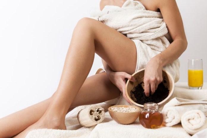 cliomakeup-depilazione-rasoio-gambe-1-esfoliazione-scrub
