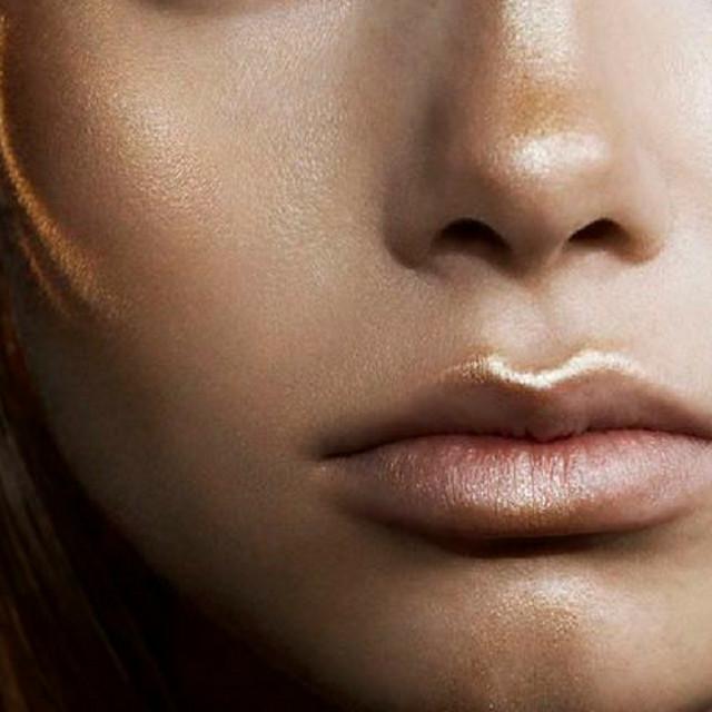 cliomakeup-trucco-labbra-sottili-rossetto-scuro-o-chiaro-7