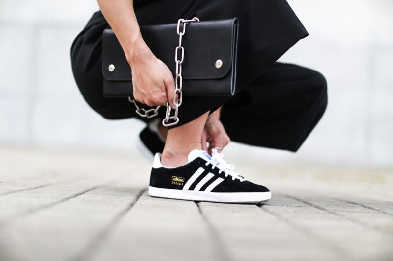 Le sneakers del momento sono suede: i modelli più trendy e