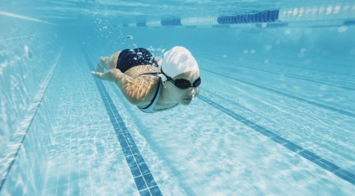 cliomakeup-cellulite-nuoto-17