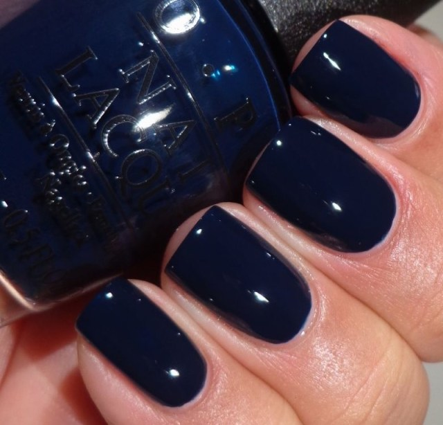 cliomakeup-accessori-coordinato-colori-1-smalto-blu-opi