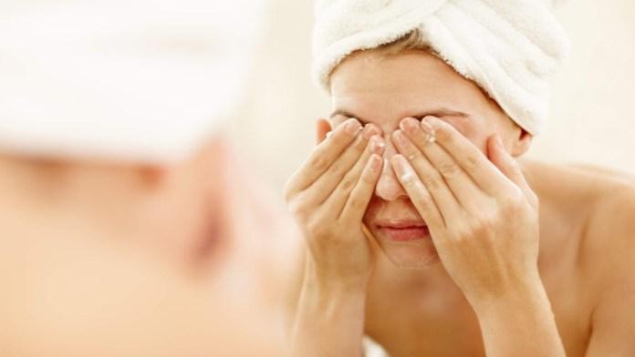 cliomakeup-mascara-theresa-lynch-9-make-up-remover.jpg