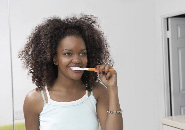 cliomakeup-come-lavare-i-denti-in-modo-corretto-10