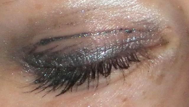 cliomakeup-trucchetti-makeup-3-ombretto-pieghe