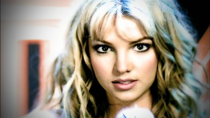 ClioMakeUp-britney-spears-evoluzione-5-video-clip.jpg