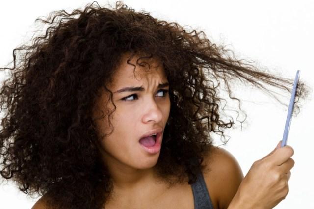 ClioMakeUp-proteggere-capelli-sole-3-punte-rovinate.jpg