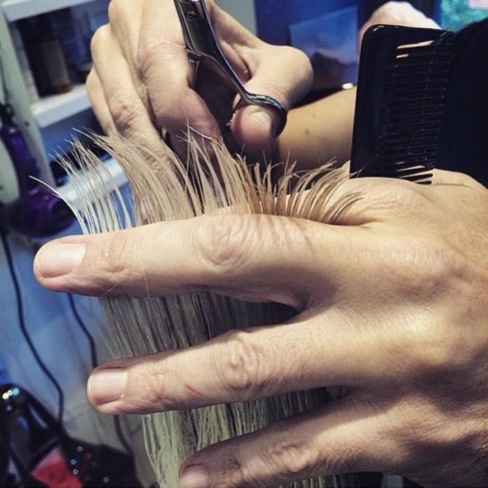 ClioMakeUp-proteggere-capelli-sole-4-taglio-punte.jpg