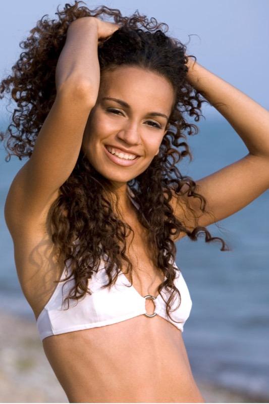 ClioMakeUp-proteggere-capelli-sole-6-riccia-capelli.jpg