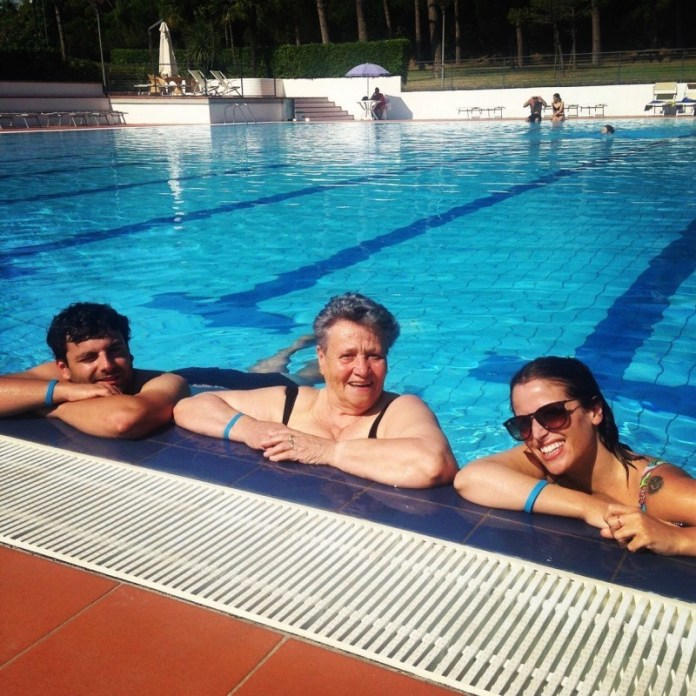 ClioMakeUp-proteggere-capelli-sole-10-piscina.jpg