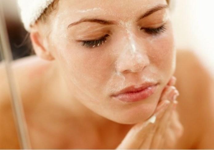 cliomakeup-skincare-routine-pelle-mista--8-detersione