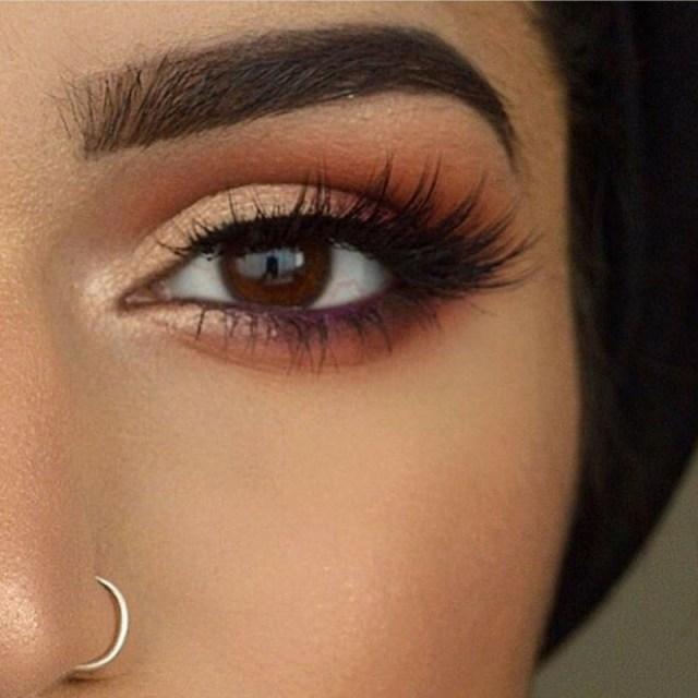 cliomakeup-come-abbinare-ombretto-borgogna-11-occhi-marroni-colori-caldi