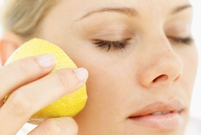cliomakeup-limone-pelle-capelli-5-grattare