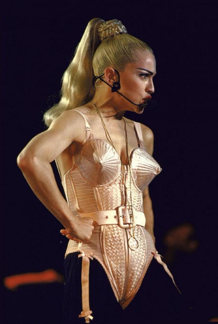 cliomakeup-madonna-60-anni-14-jean-paul-gaultier-corset