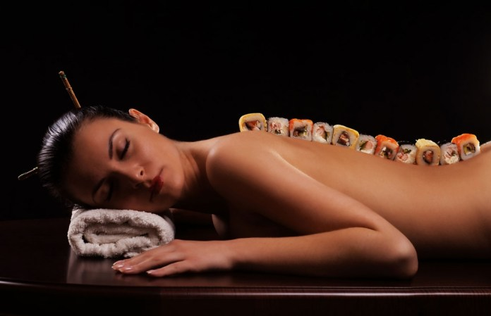 cliomakeup-richiamo-erotico-piedi-17-body-sushi