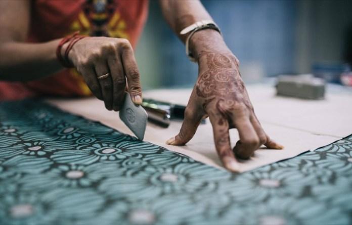 cliomakeup-accessori-gioielli-eco-sostenibili-6-sari-tessuto