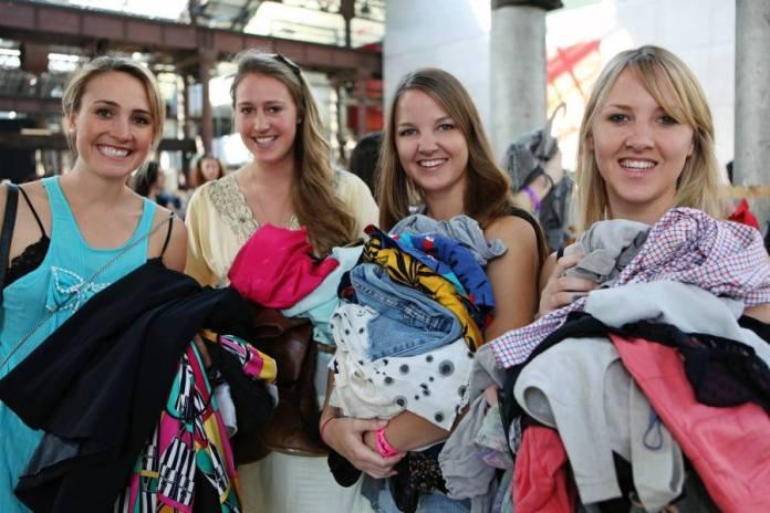cliomakeup-come-vendere-vestiti-usati-ragazze-fanno-swap