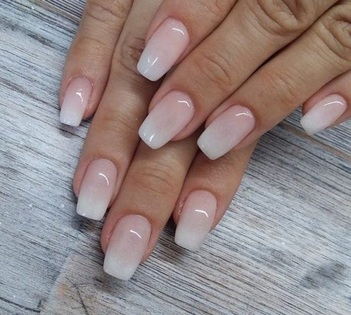 cliomakeup-french-manicure-baby-boomer