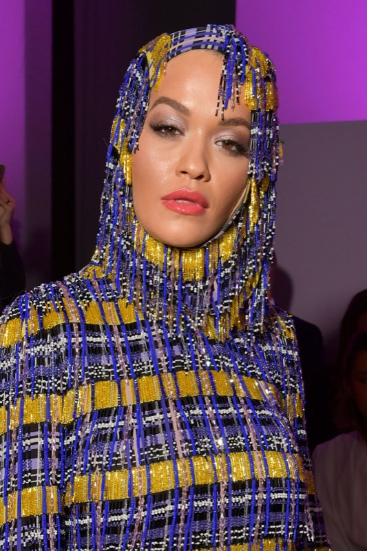 ClioMakeUp-milano-fashion-week-2018-beauty-look-16-rita-ora-versace.jpg