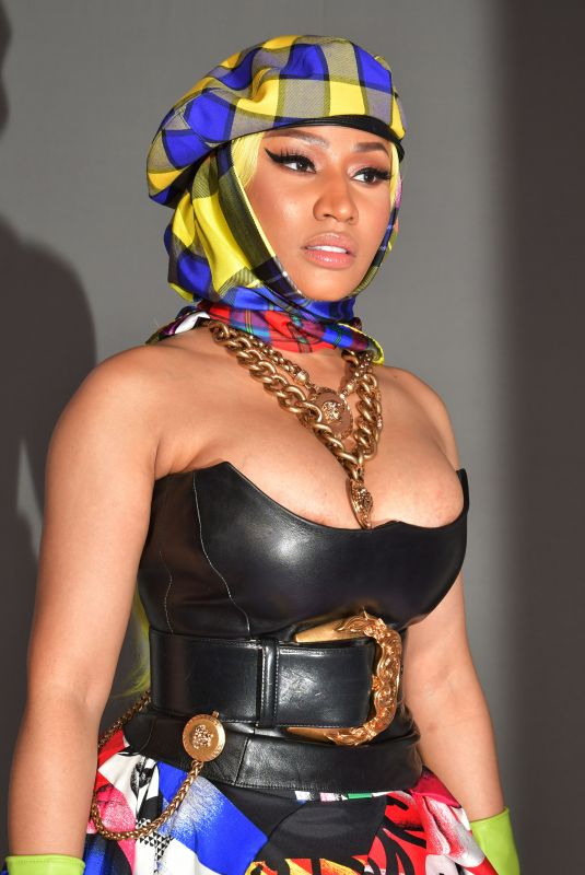 ClioMakeUp-milano-fashion-week-2018-beauty-look-18-nicki-minaj-versace.jpg