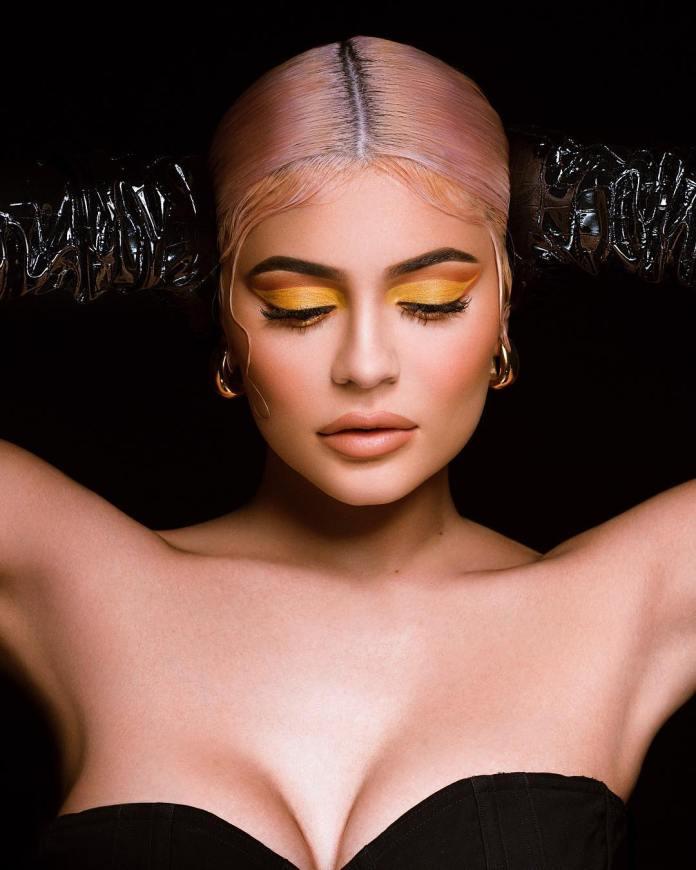 cliomakeup-makeup-colori-stravaganti-9-ombretto-giallo