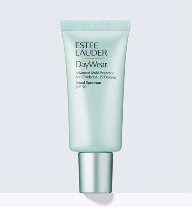 cliomakeup-prodotti-skincare-estee-lauder-day-wear-multi-protection-antiossidante-spf-50