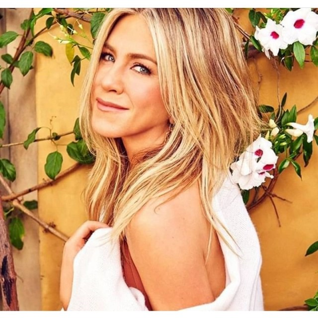 cliomakeup-routine-celeb-jennifer-aniston-7